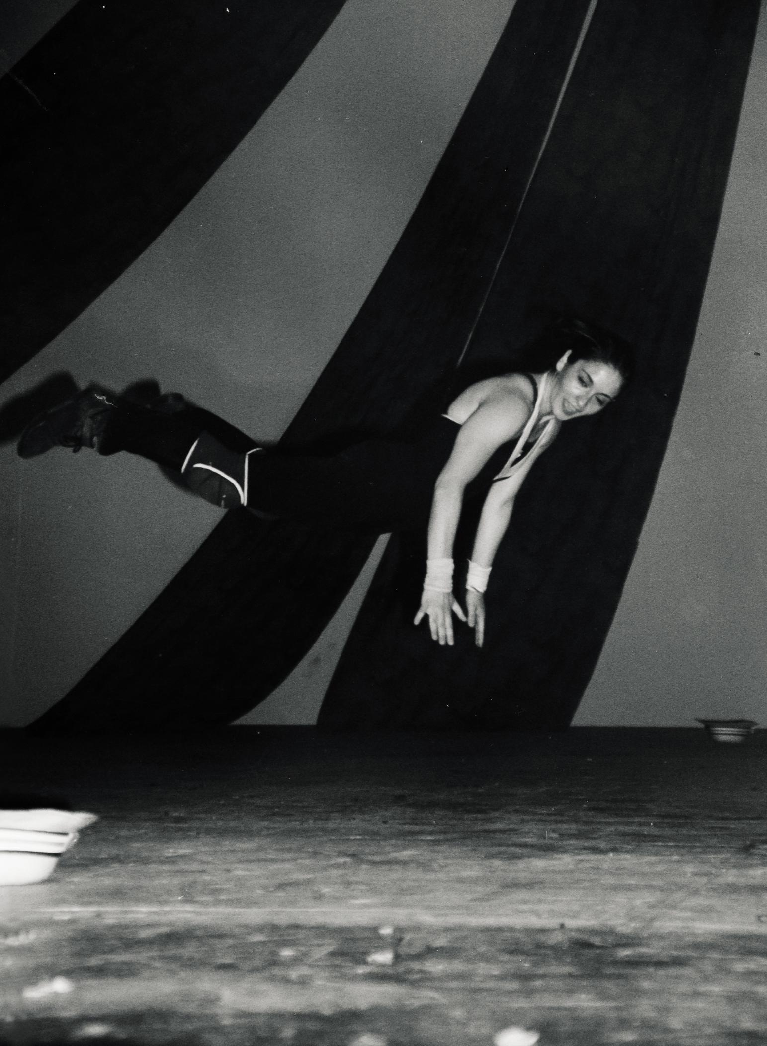 flora-dancing-rayoflight-lecce-1998